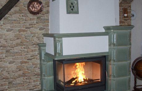 Cheminée Faïences avec foyer Bodart et Gonay Scope Angle 90° Faïences Seyffarth