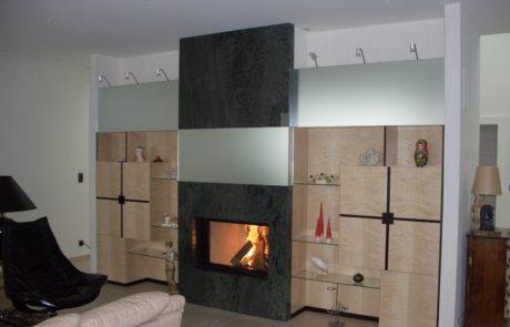Cheminée Contemporaine avec Foyer Ruegg Saphir Plat 1 Face Façade Granit et Inox