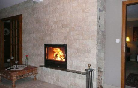Cheminée Contemporaine avec Foyer BG Fires Optifire 800 Plat 1 Face Habillage Plaquette