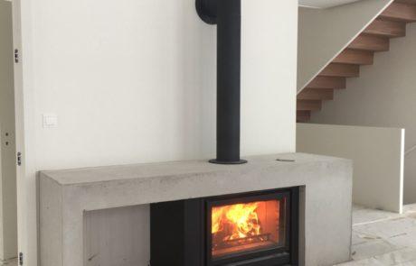 Cheminée Contemporaine Foyer BG Fires Optifire Plat 1 Face Habillage Béton