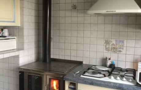 Cuisinière Pertinger Ökoalpin 80 Panorama avec Porte Vitrée Four à gauche Tiroir et Habillage Noir Dessus Acier